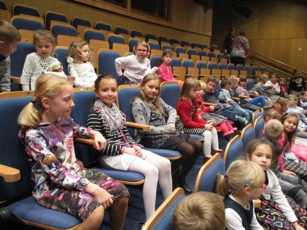 Divadlo Radost 1 a 2 12