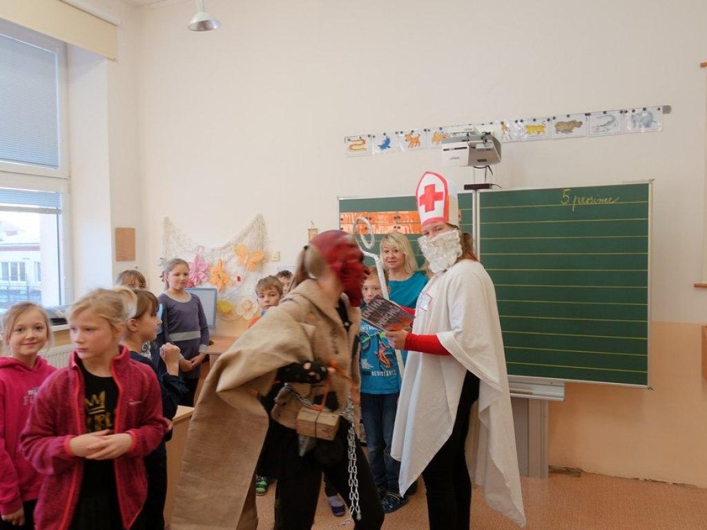 Mikulas ve skole  8