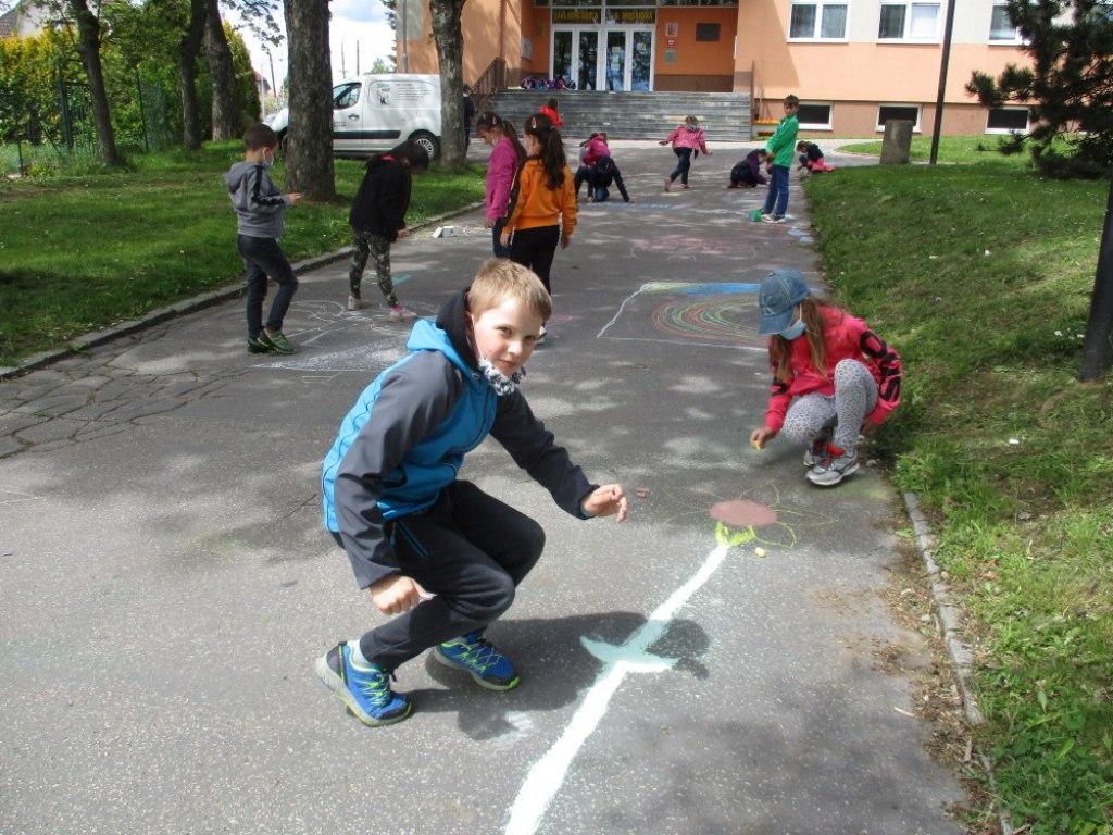 Malování na asfalt 10